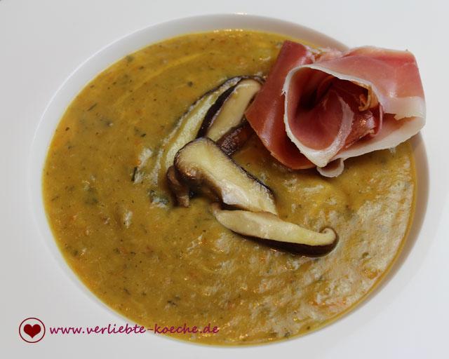 zucchini-cheddar-suppe2